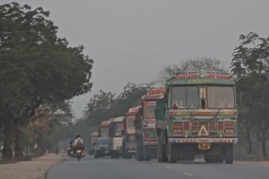 Picture 3-Trucks-Delhi (1)